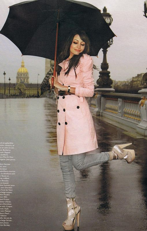 Burberry Nicole Richie Pink trench
